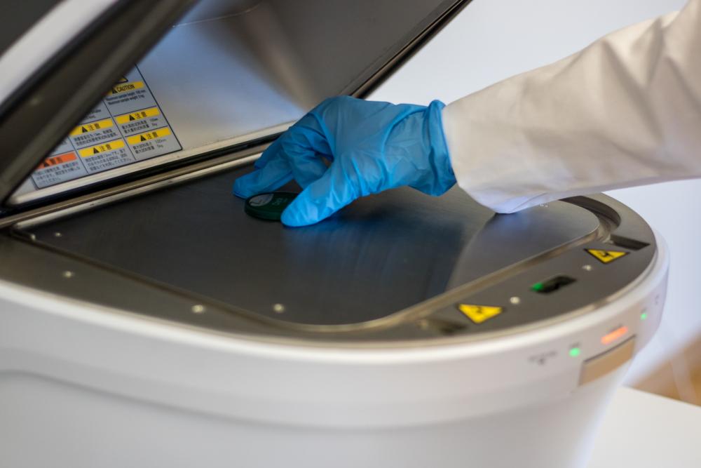 Shimadzu EDX-7000 fluorescencyjna spektrometria rentgenowska z dyspersją energii